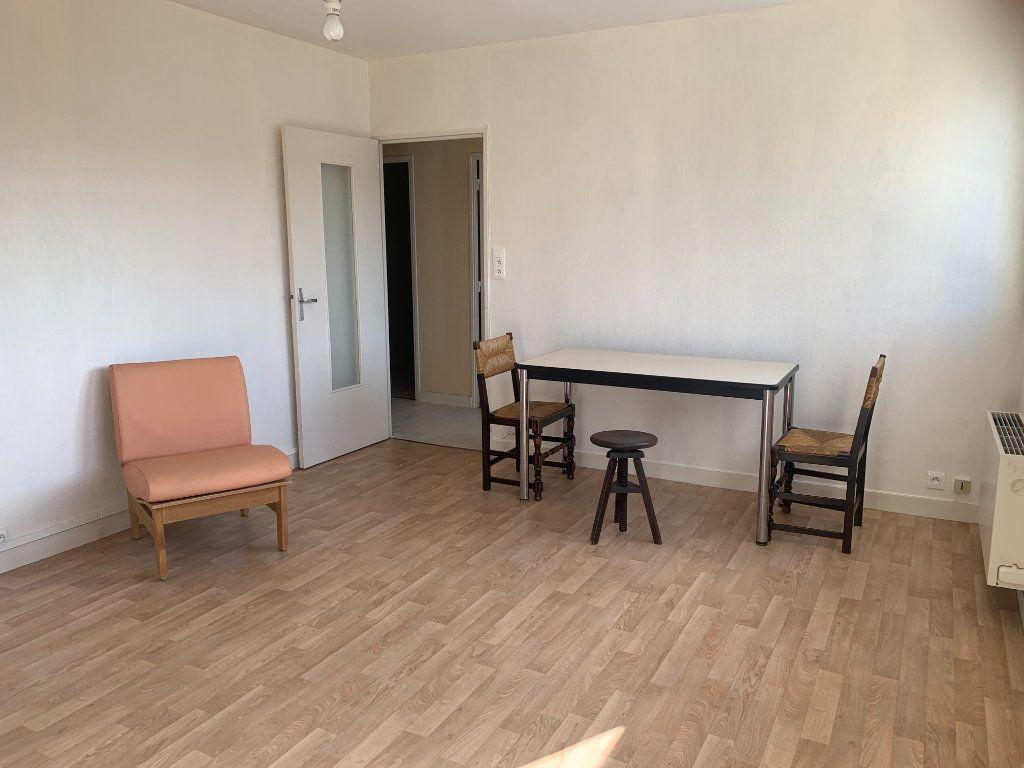 Appartement à louer 1 37.48m2 à Limoges vignette-4