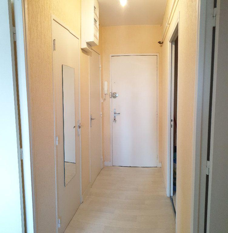 Appartement à louer 1 37.48m2 à Limoges vignette-6