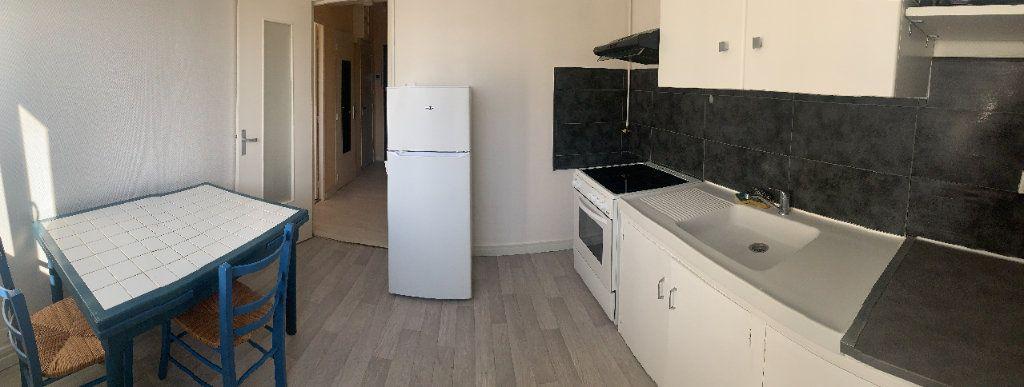 Appartement à louer 1 37.48m2 à Limoges vignette-7