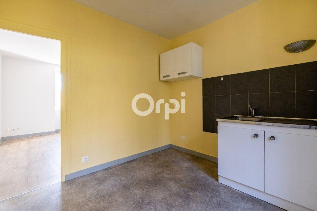 Appartement à louer 2 34m2 à Aixe-sur-Vienne vignette-3