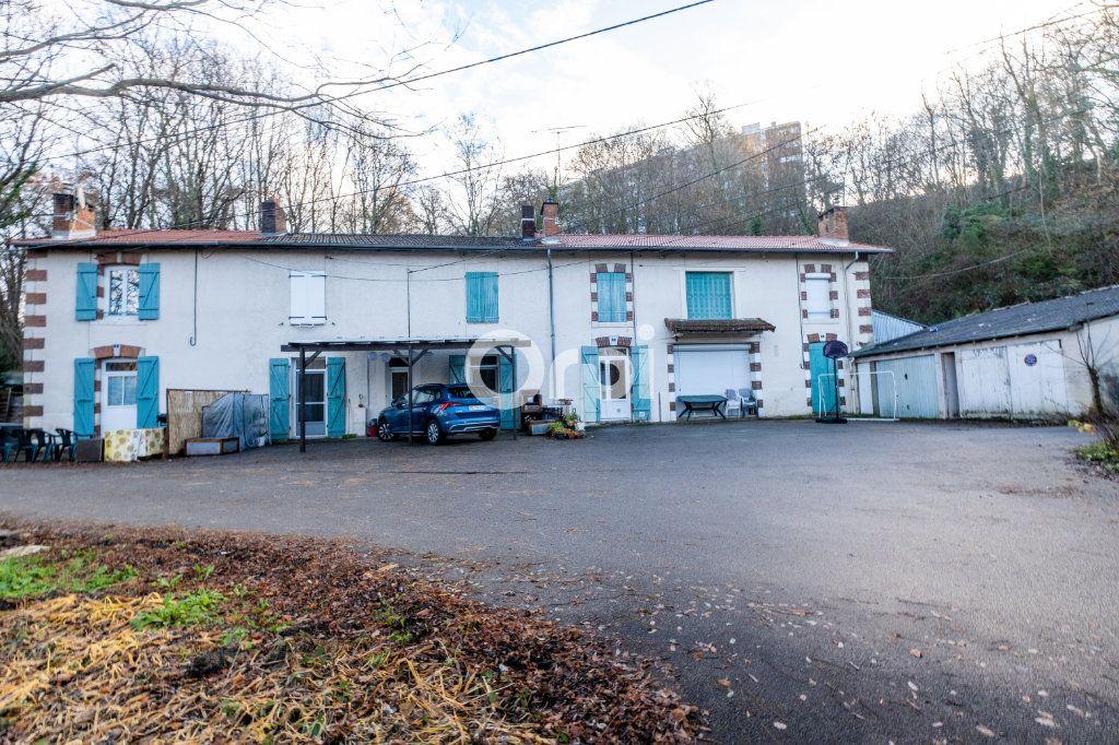 Immeuble à vendre 0 600m2 à Limoges vignette-1