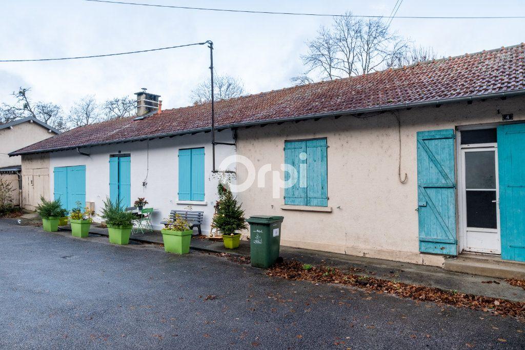 Immeuble à vendre 0 600m2 à Limoges vignette-2