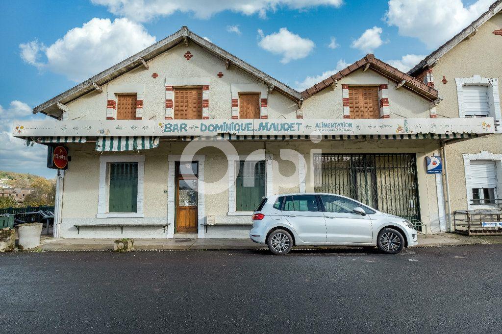 Maison à vendre 9 275.06m2 à Saint-Victurnien vignette-1