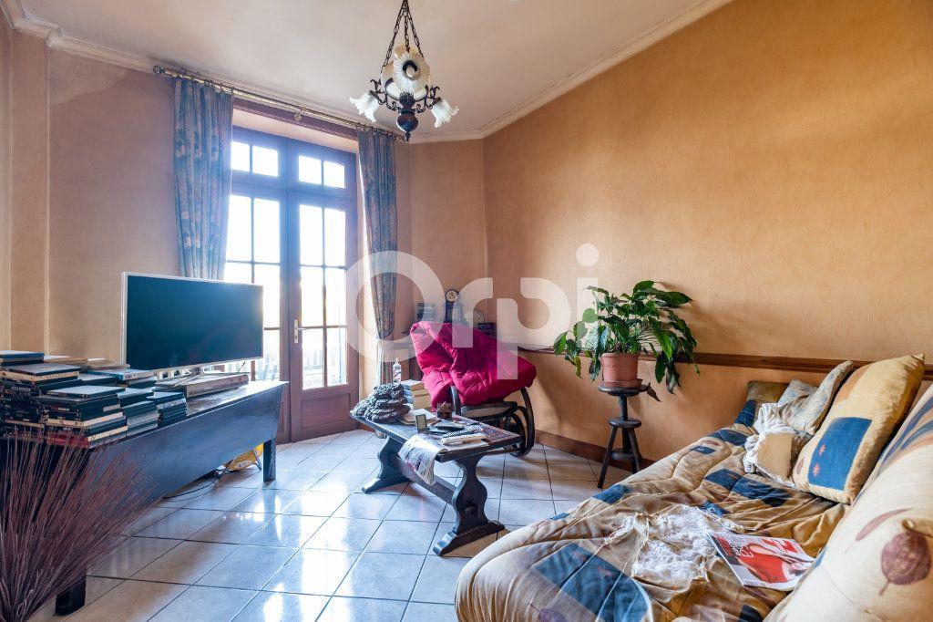 Maison à vendre 9 275.06m2 à Saint-Victurnien vignette-6