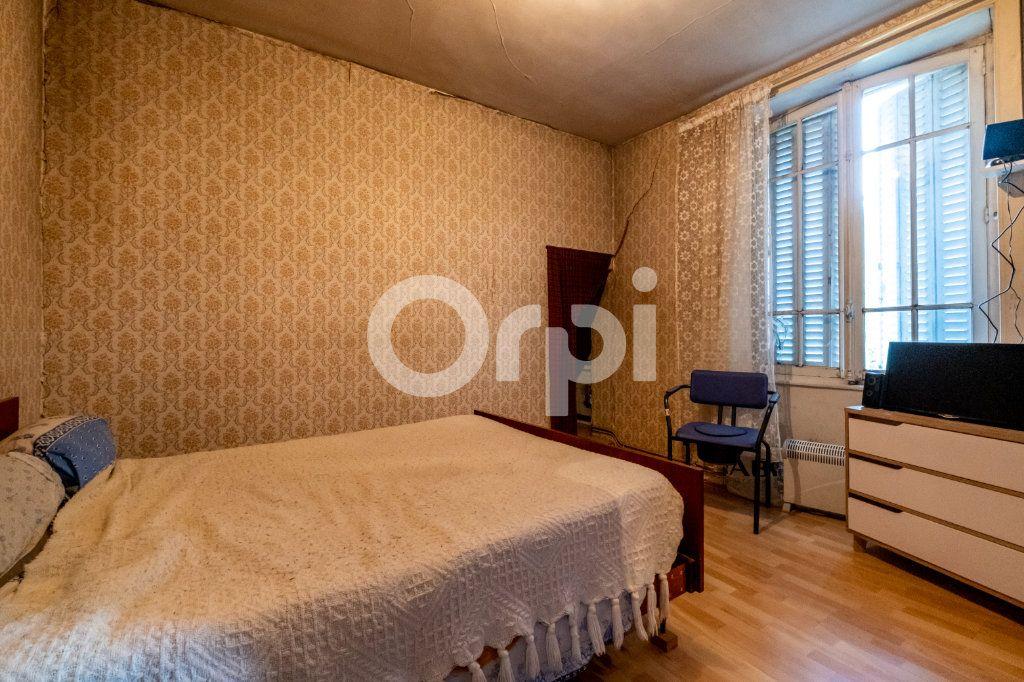 Maison à vendre 9 275.06m2 à Saint-Victurnien vignette-8