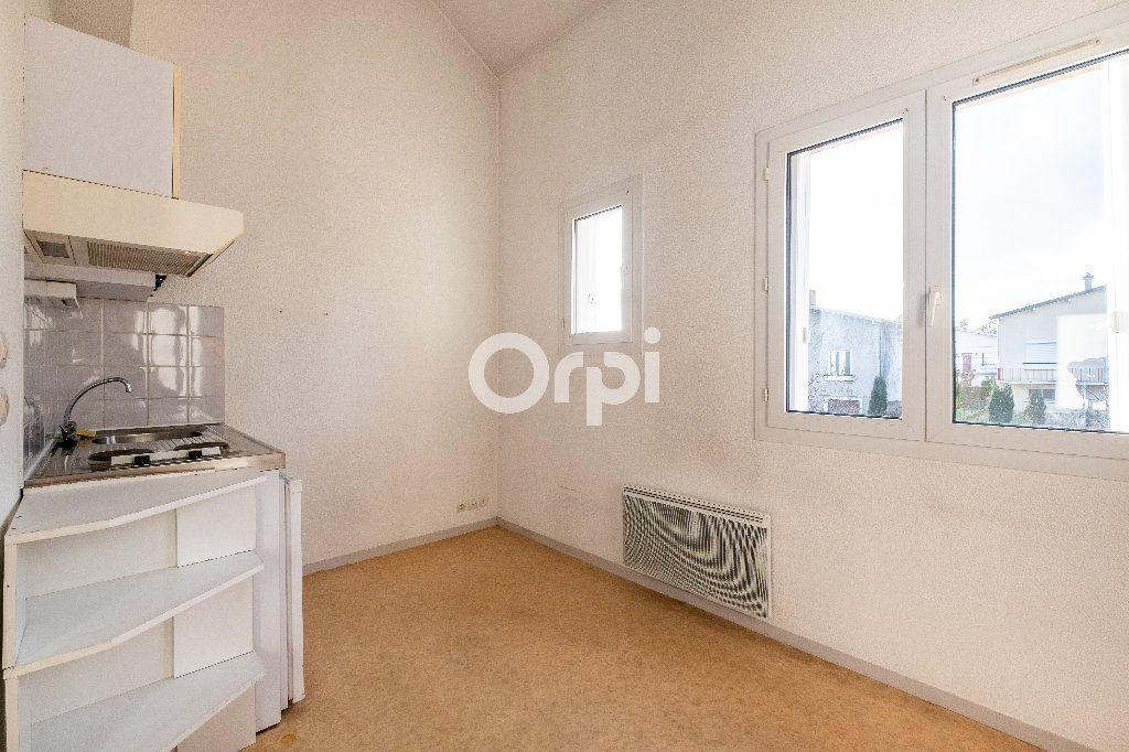 Appartement à louer 1 28.01m2 à Limoges vignette-1