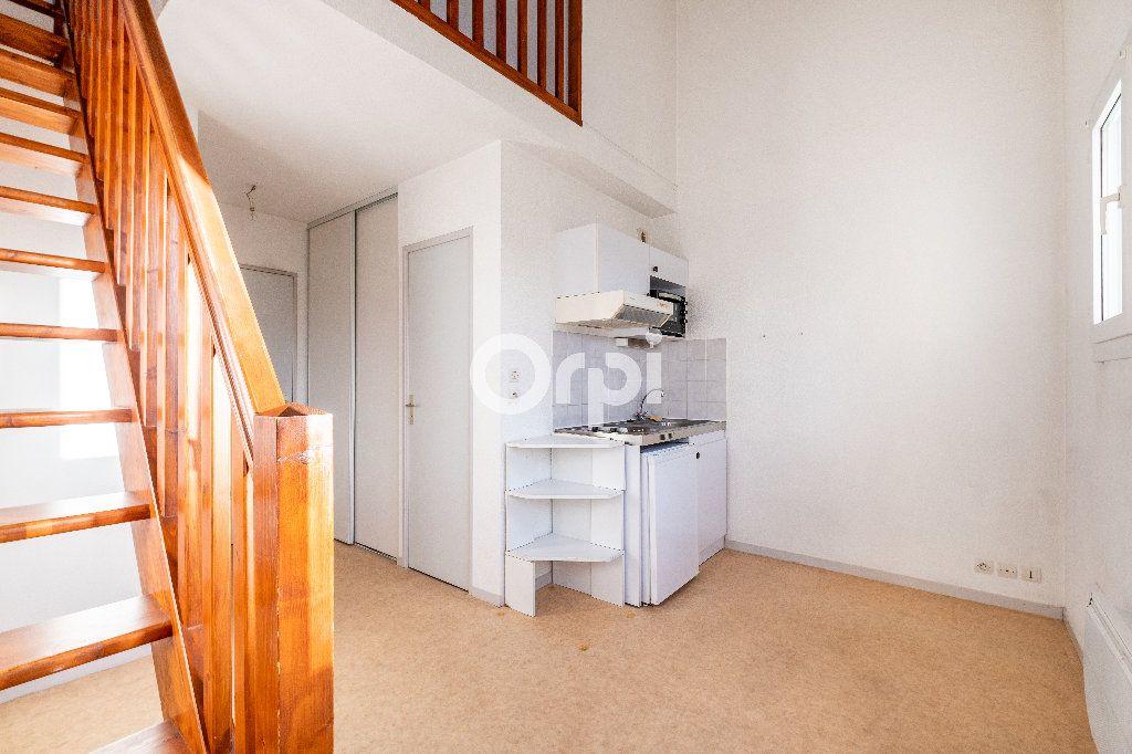 Appartement à louer 1 28.01m2 à Limoges vignette-2