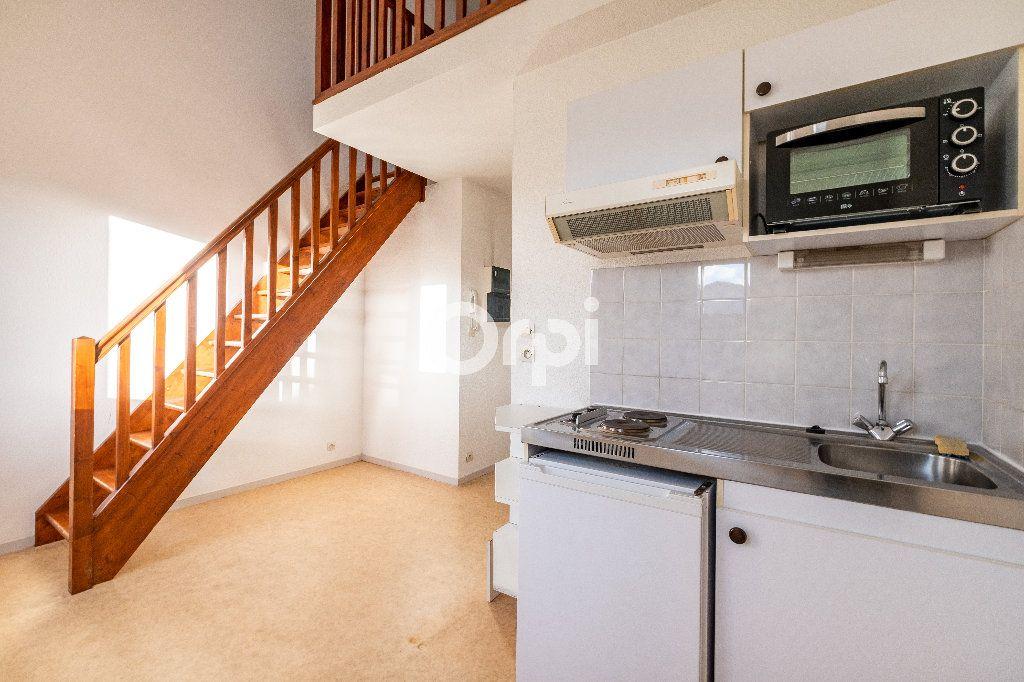 Appartement à louer 1 28.01m2 à Limoges vignette-3