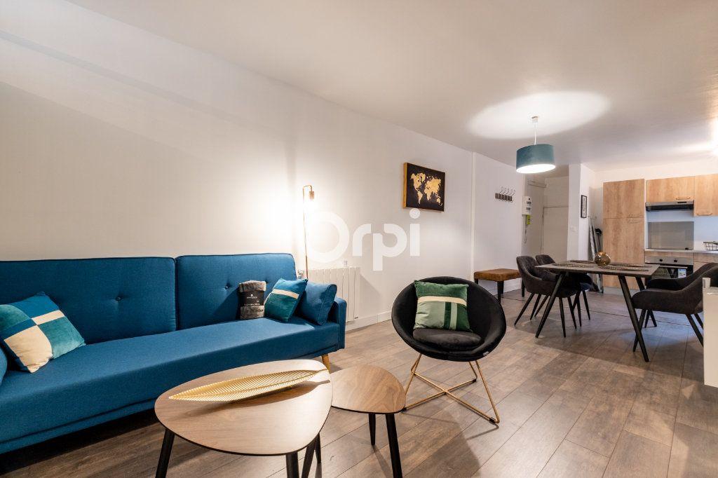 Appartement à louer 3 60.37m2 à Limoges vignette-1
