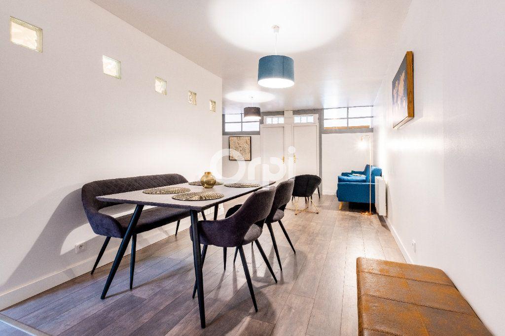 Appartement à louer 3 60.37m2 à Limoges vignette-2