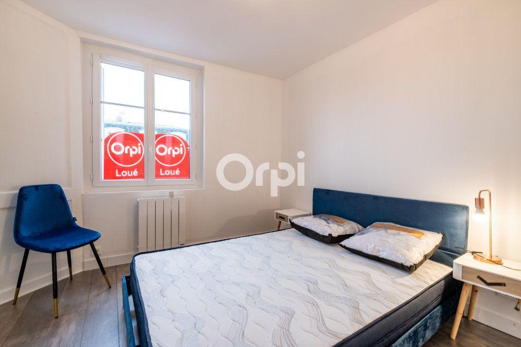 Appartement à louer 3 60.37m2 à Limoges vignette-5