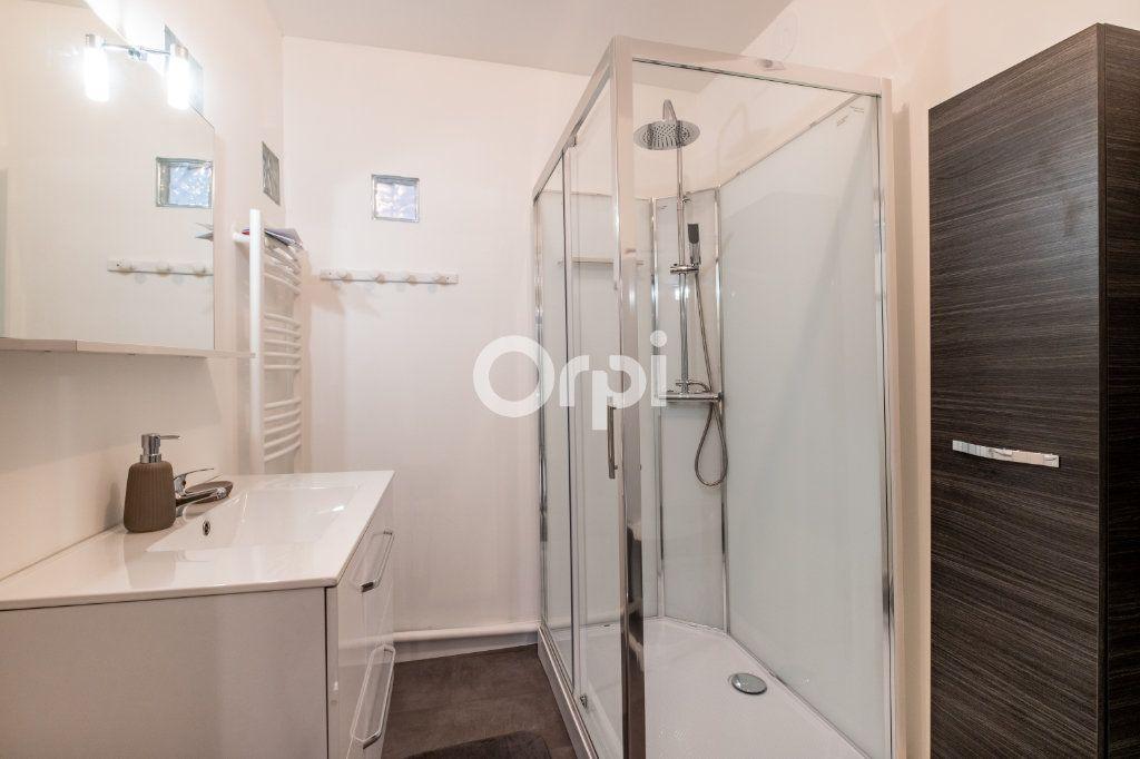 Appartement à louer 3 60.37m2 à Limoges vignette-6
