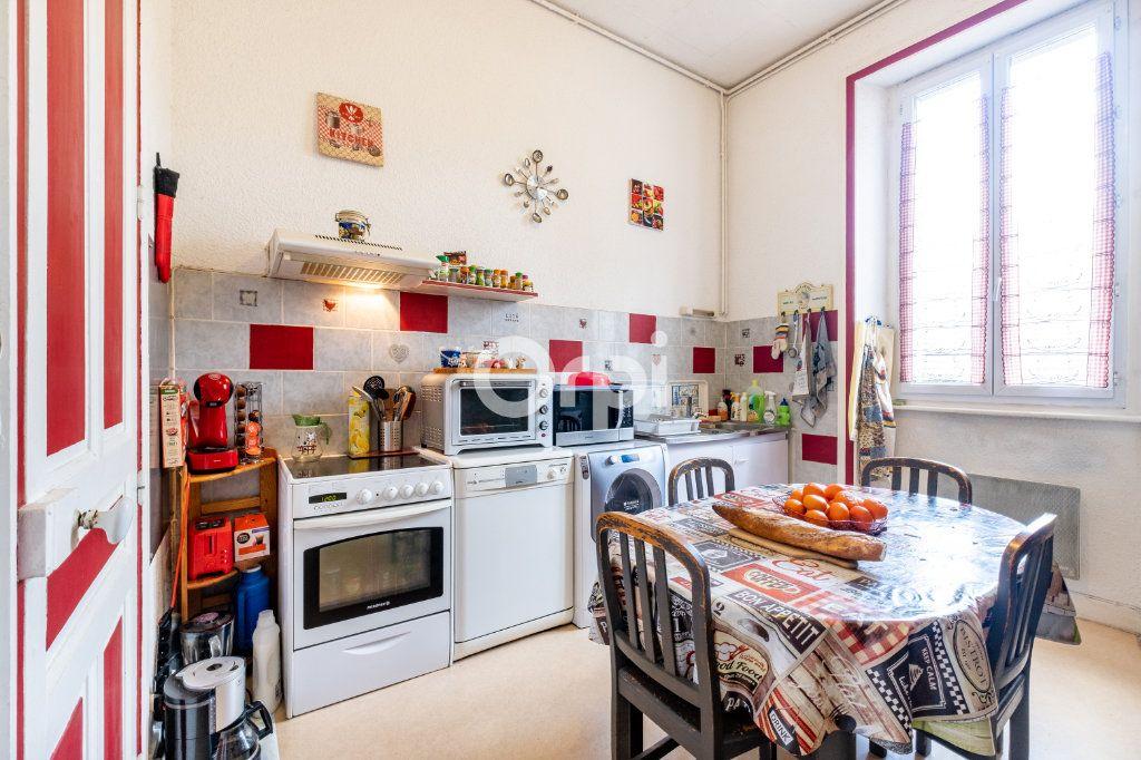 Appartement à vendre 5 114m2 à Limoges vignette-3