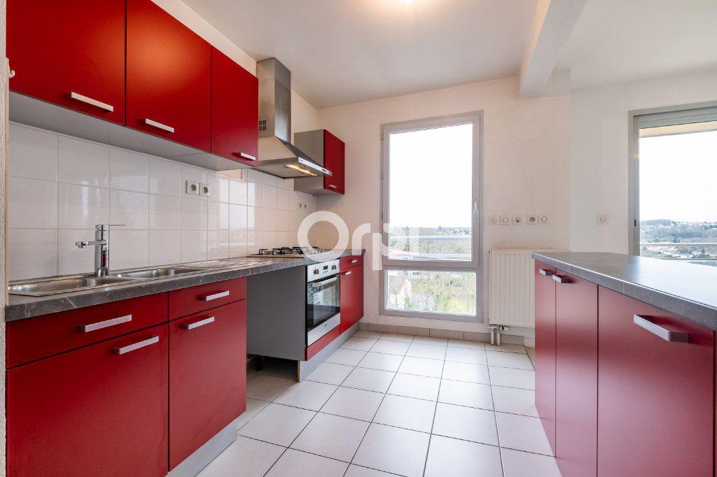 Appartement à louer 4 77.39m2 à Isle vignette-1