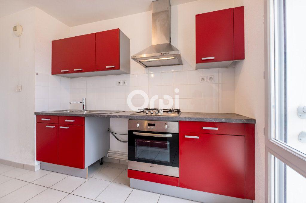 Appartement à louer 4 77.39m2 à Isle vignette-2