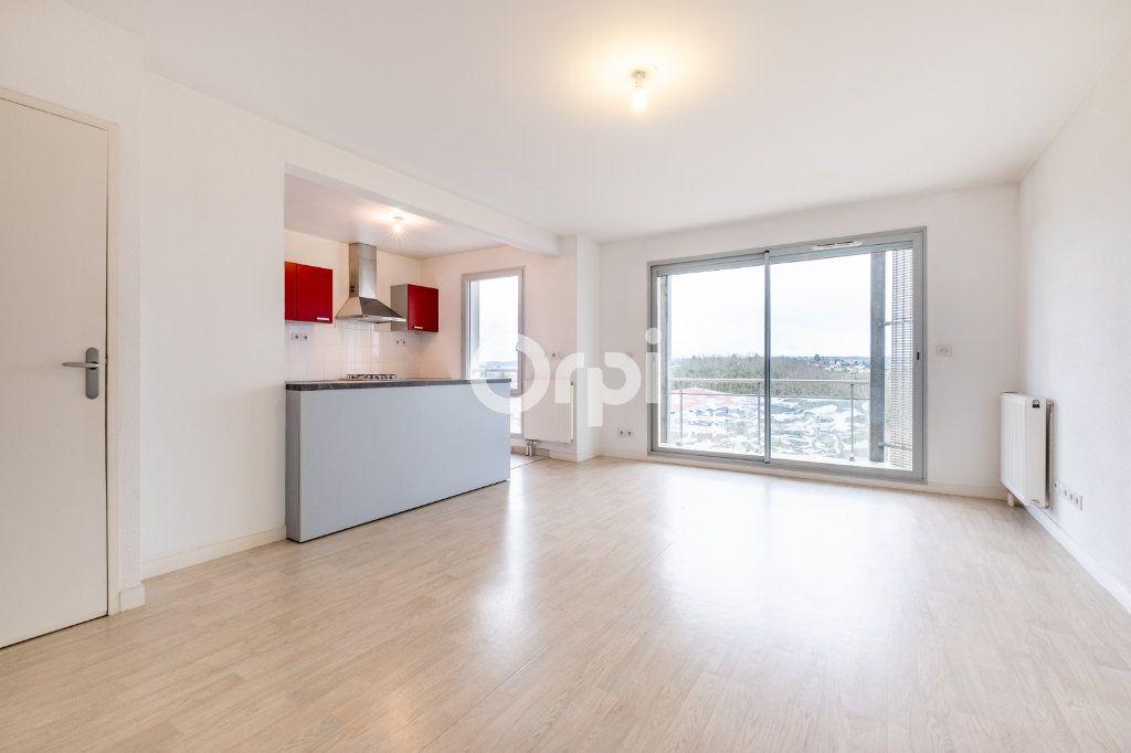 Appartement à louer 4 77.39m2 à Isle vignette-3