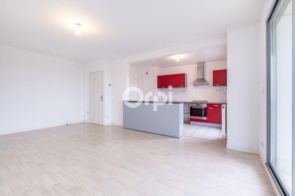 Appartement à louer 4 77.39m2 à Isle vignette-5