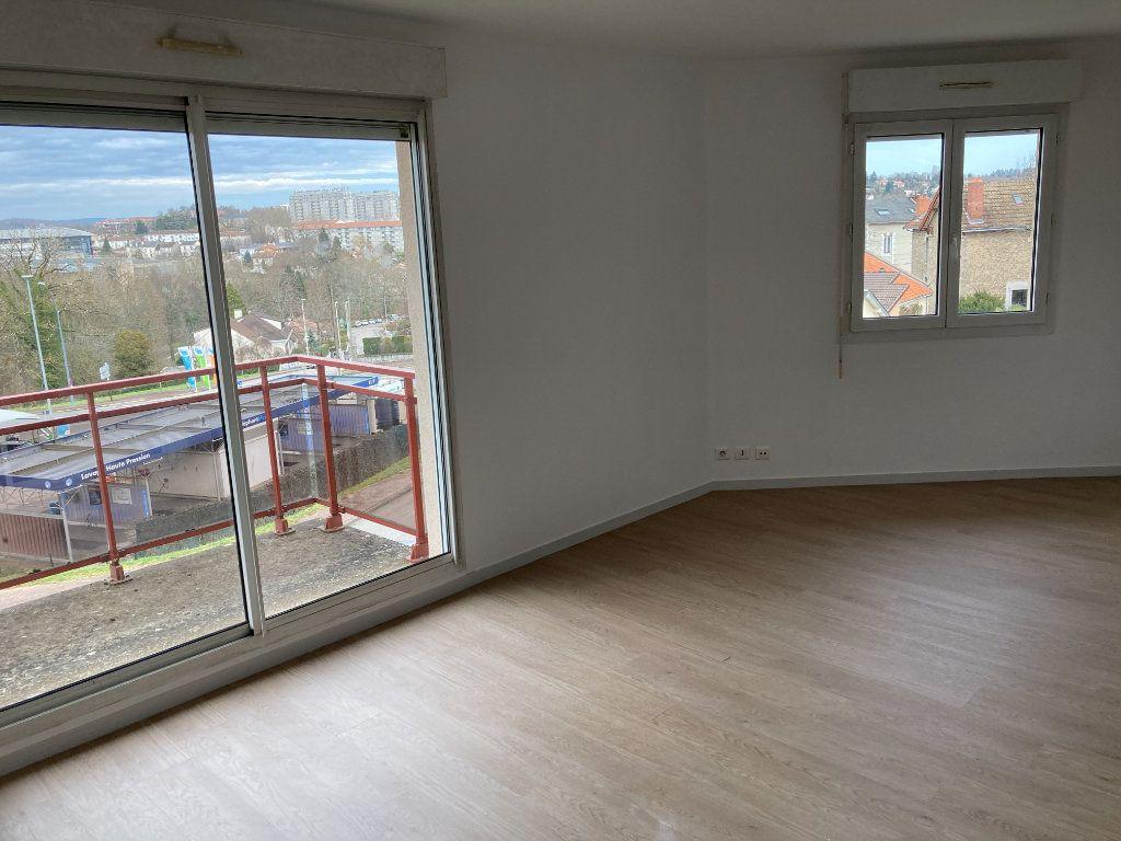 Appartement à louer 4 85.8m2 à Limoges vignette-4