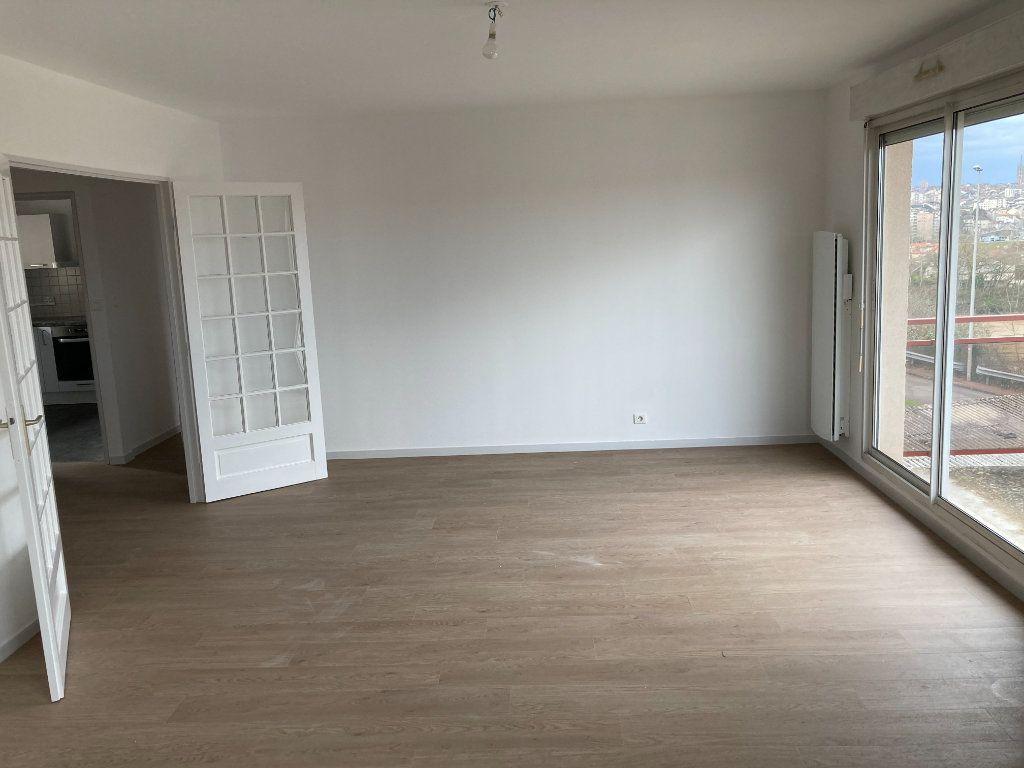 Appartement à louer 4 85.8m2 à Limoges vignette-5