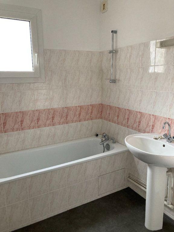 Appartement à louer 4 85.8m2 à Limoges vignette-10