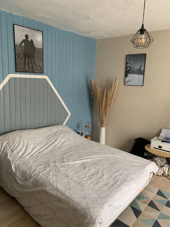 Appartement à louer 3 58.75m2 à Limoges vignette-3