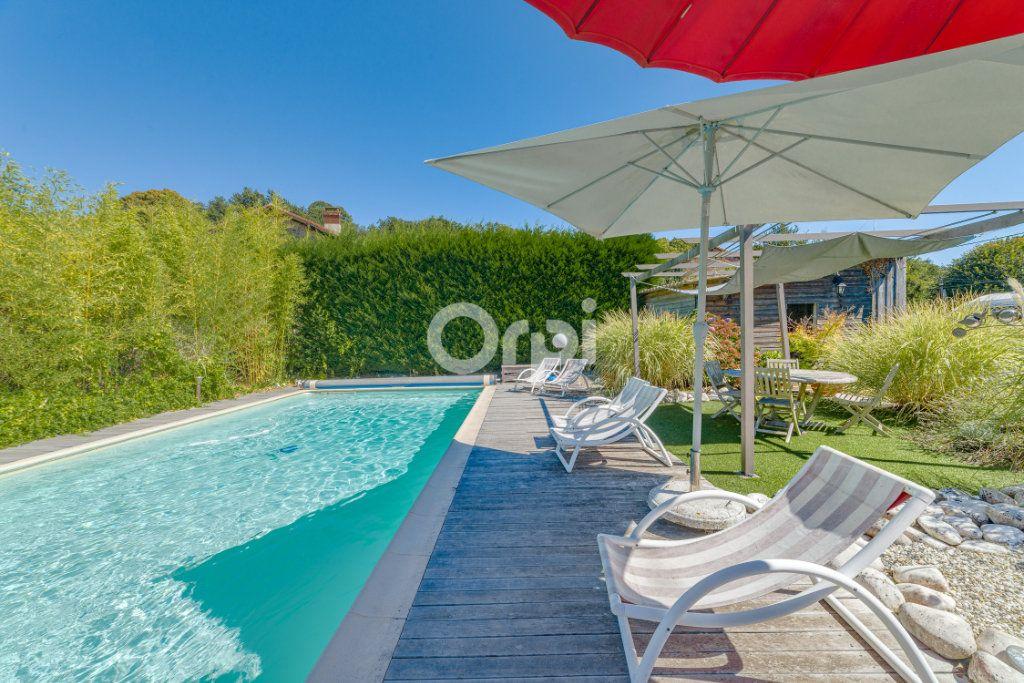 Maison à vendre 9 220.4m2 à Saint-Laurent-sur-Gorre vignette-9