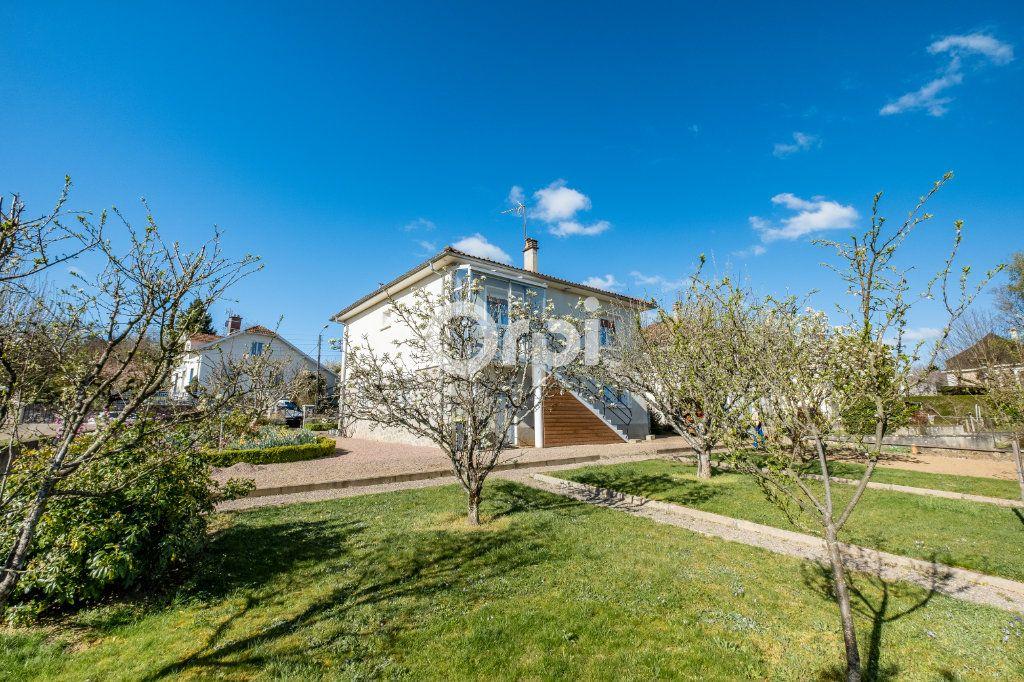 Maison à vendre 5 102m2 à Aixe-sur-Vienne vignette-1