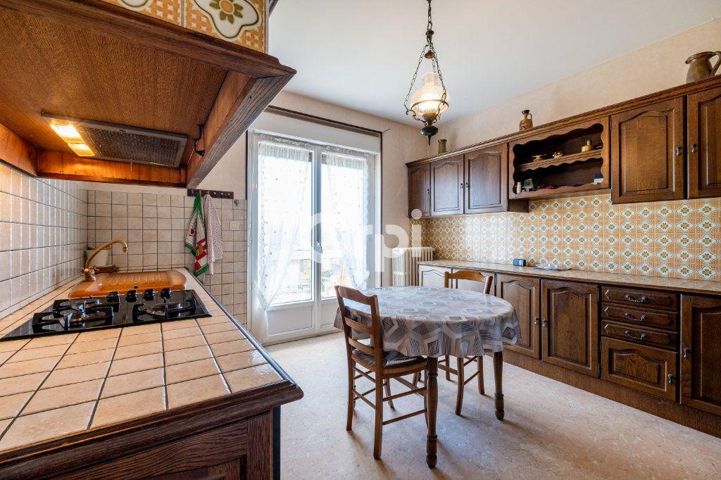 Maison à vendre 5 102m2 à Aixe-sur-Vienne vignette-9