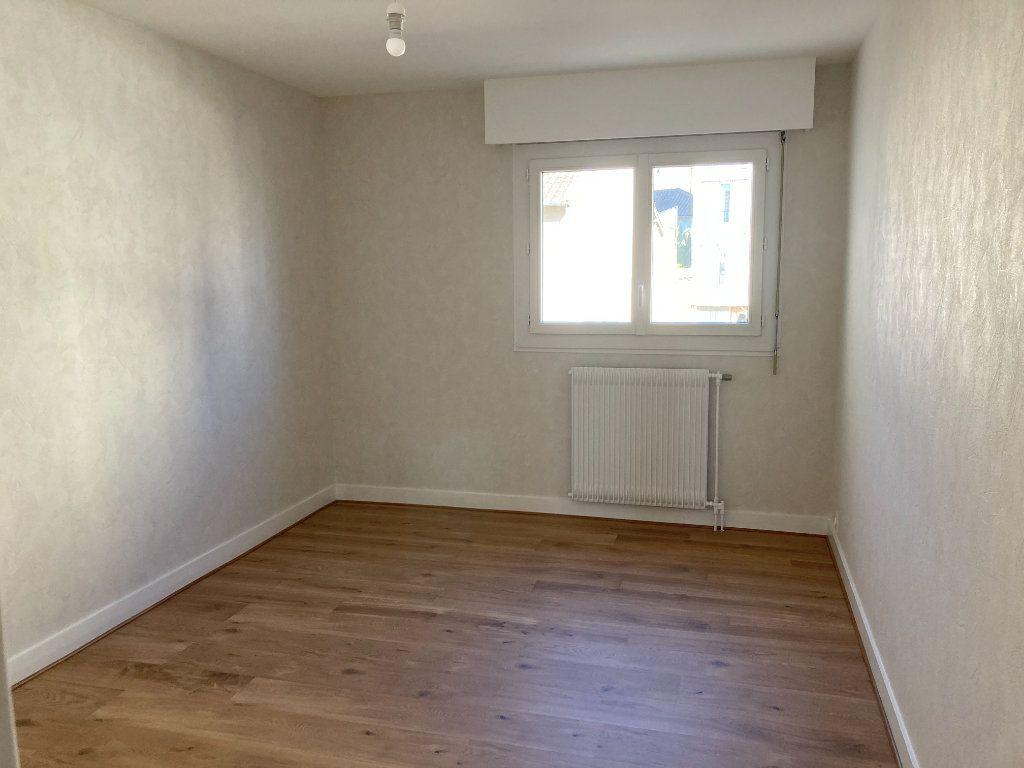 Appartement à louer 3 66.07m2 à Limoges vignette-3