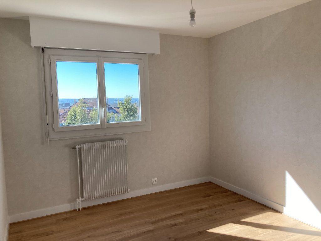 Appartement à louer 3 66.07m2 à Limoges vignette-4