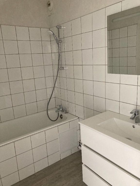 Appartement à louer 3 66.07m2 à Limoges vignette-5