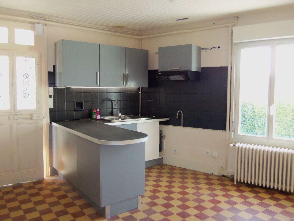 Maison à louer 4 95m2 à Saint-Junien vignette-1
