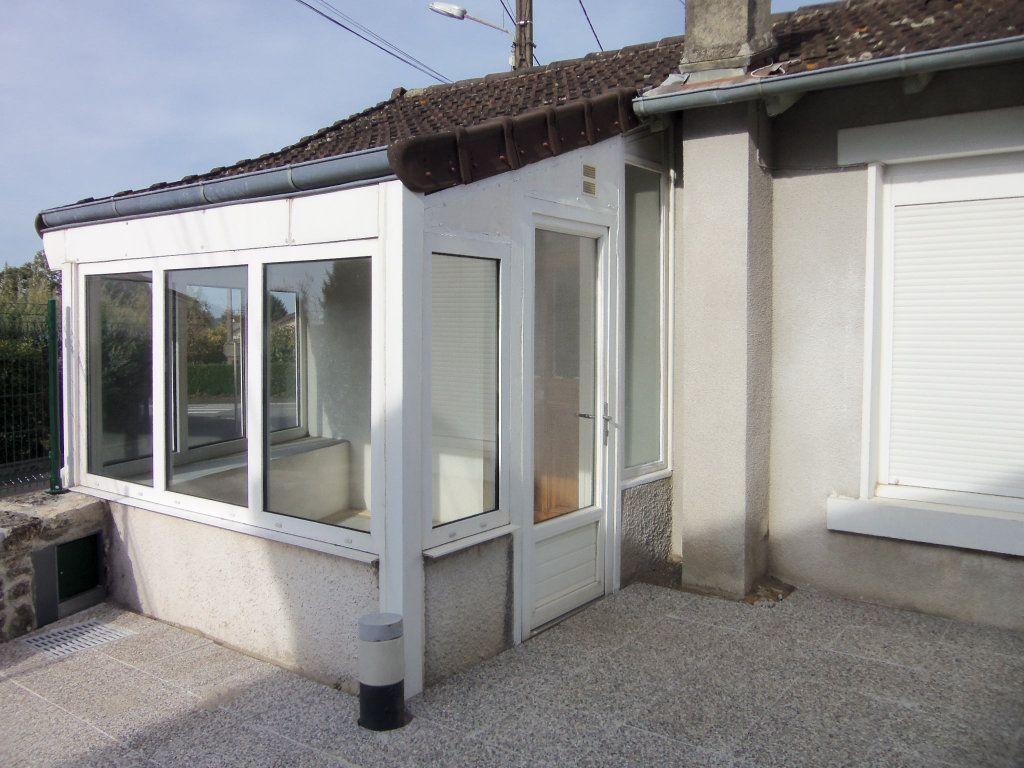 Maison à louer 4 95m2 à Saint-Junien vignette-2