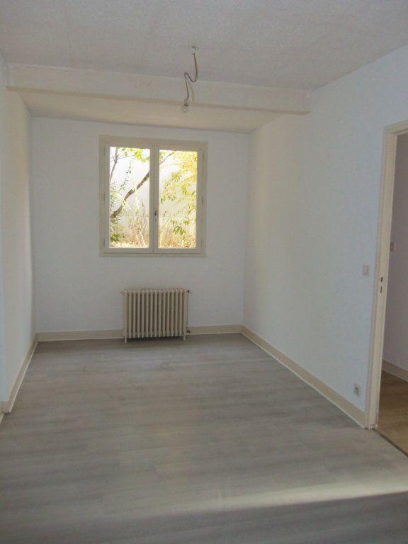 Maison à louer 4 95m2 à Saint-Junien vignette-6