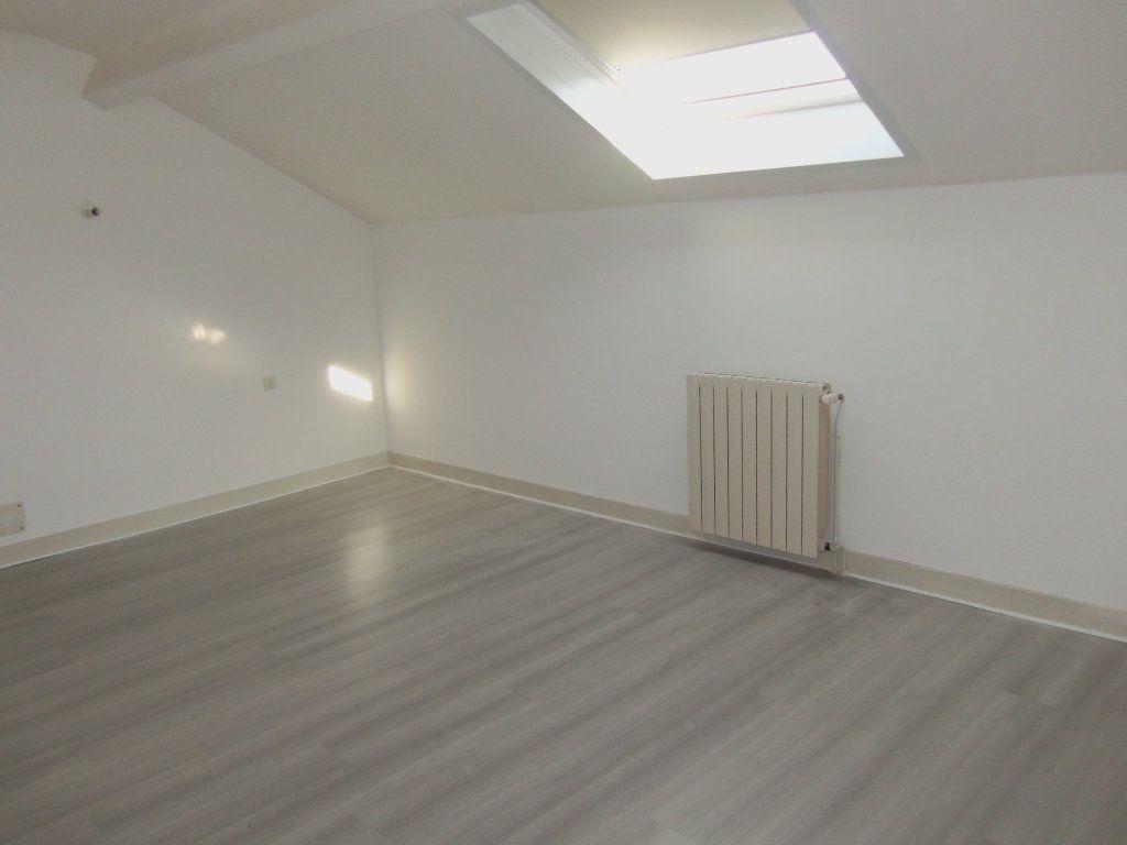 Maison à louer 4 95m2 à Saint-Junien vignette-8