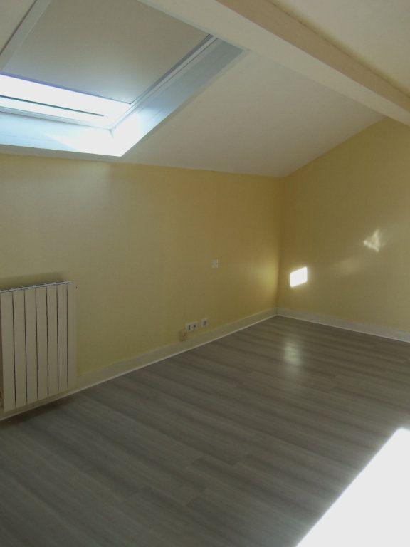 Maison à louer 4 95m2 à Saint-Junien vignette-9