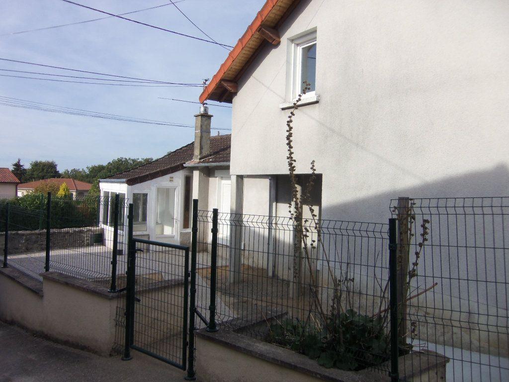 Maison à louer 4 95m2 à Saint-Junien vignette-10