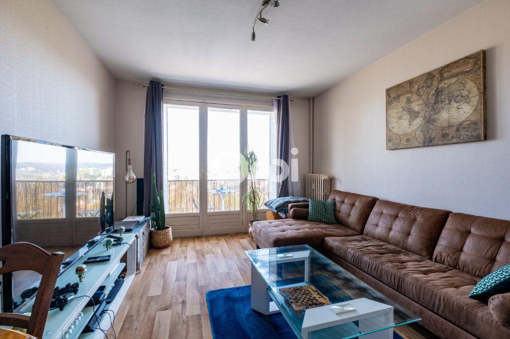 Appartement à louer 3 57.05m2 à Limoges vignette-2