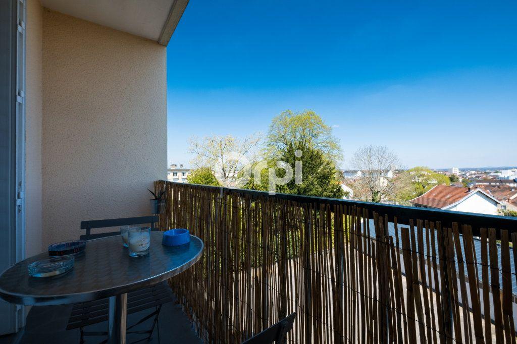 Appartement à louer 3 57.05m2 à Limoges vignette-4