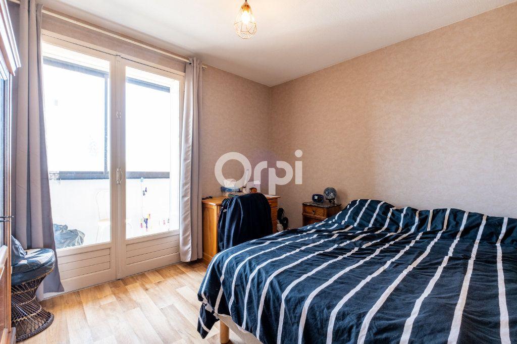Appartement à louer 3 57.05m2 à Limoges vignette-6