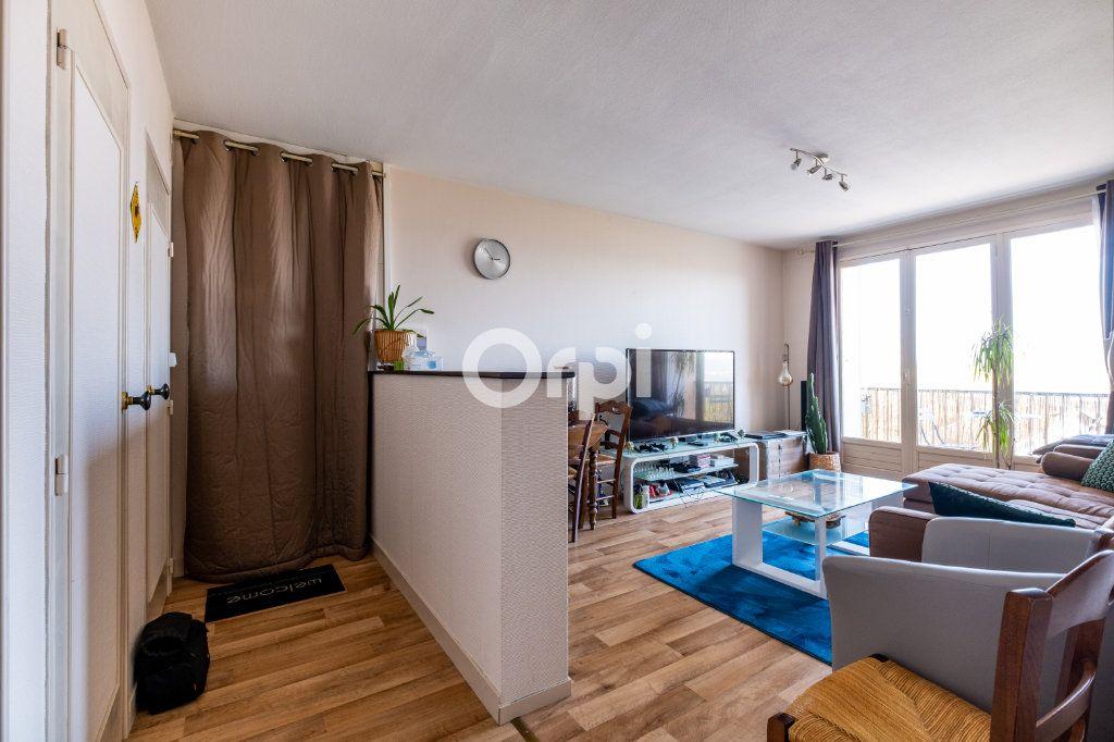 Appartement à louer 3 57.05m2 à Limoges vignette-9