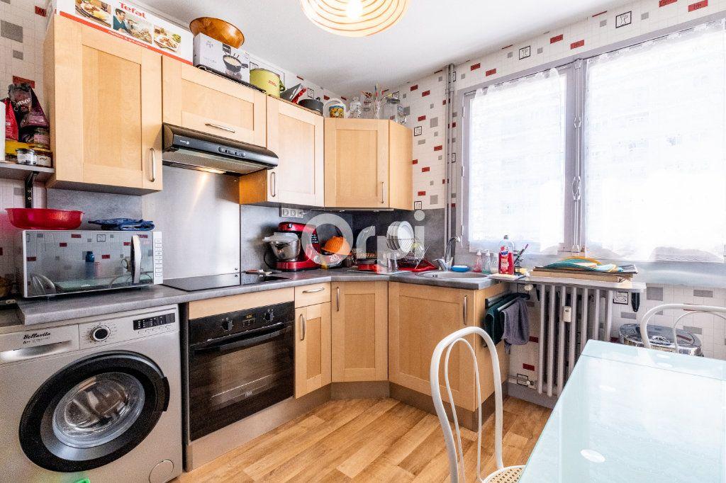 Appartement à louer 3 57.05m2 à Limoges vignette-10