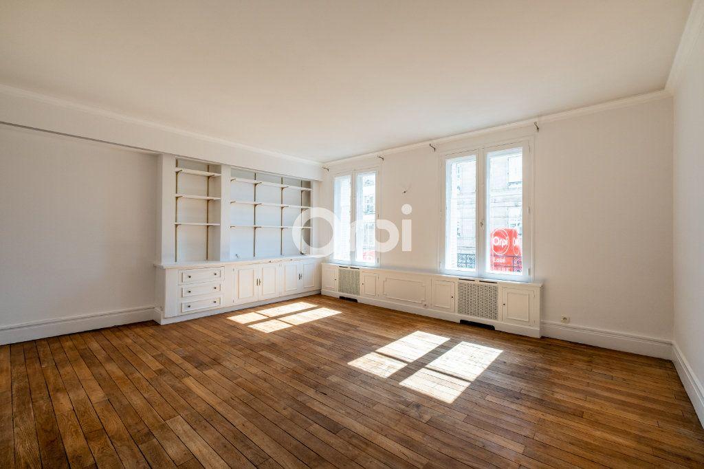 Appartement à louer 4 96.08m2 à Limoges vignette-2