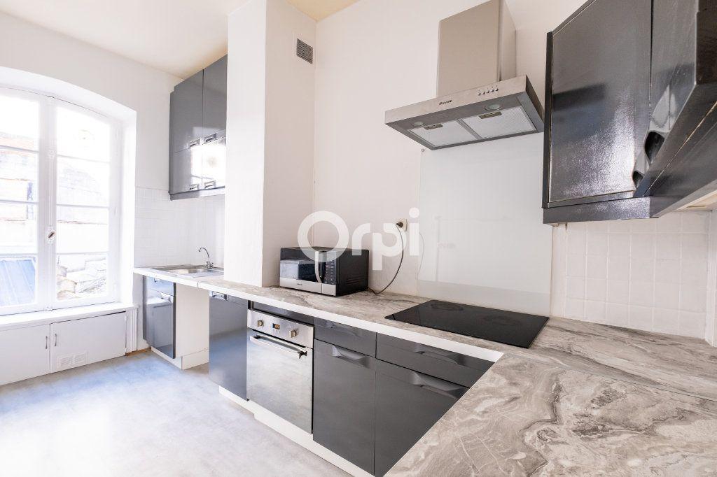 Appartement à louer 4 96.08m2 à Limoges vignette-4