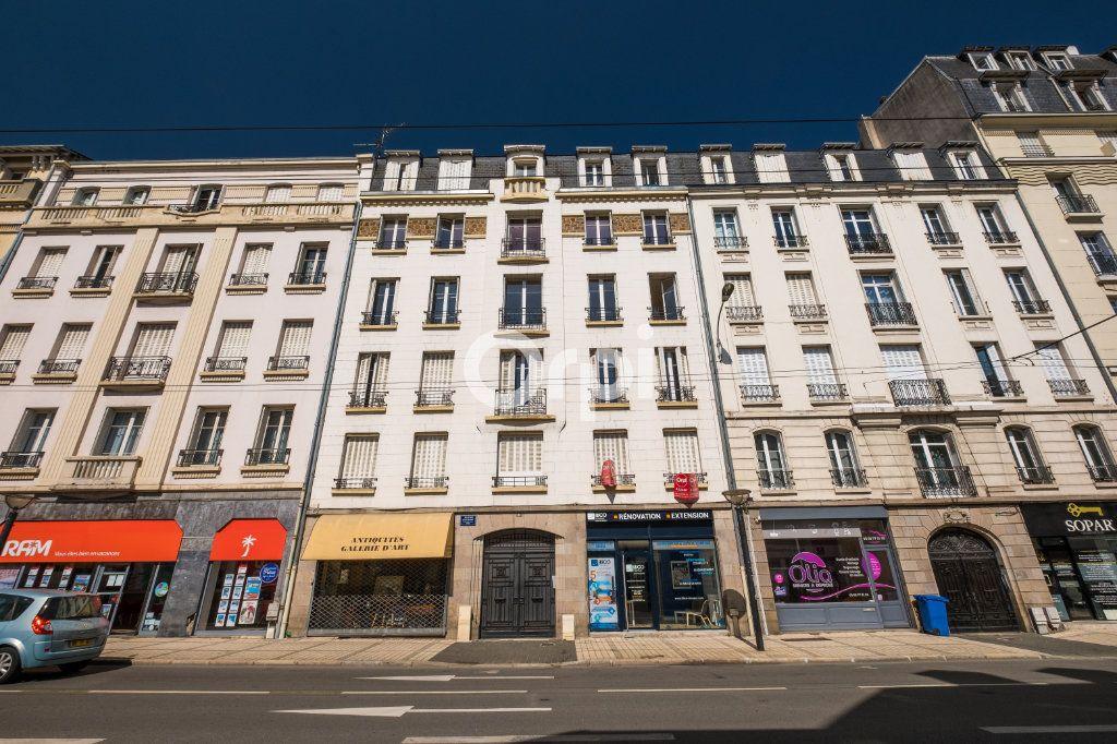 Appartement à louer 4 96.08m2 à Limoges vignette-11