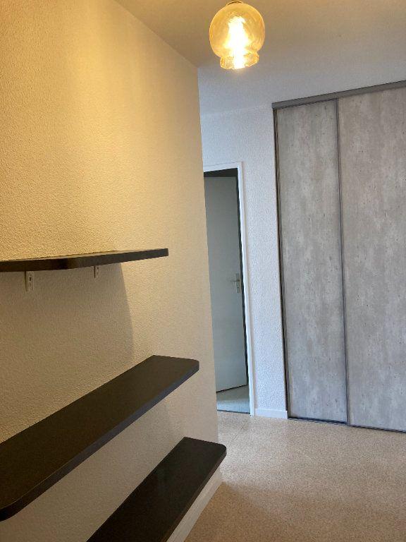 Appartement à louer 1 26m2 à Limoges vignette-3