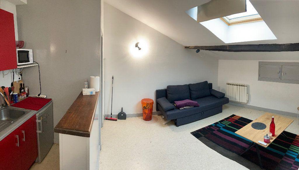 Appartement à louer 3 28m2 à Limoges vignette-2