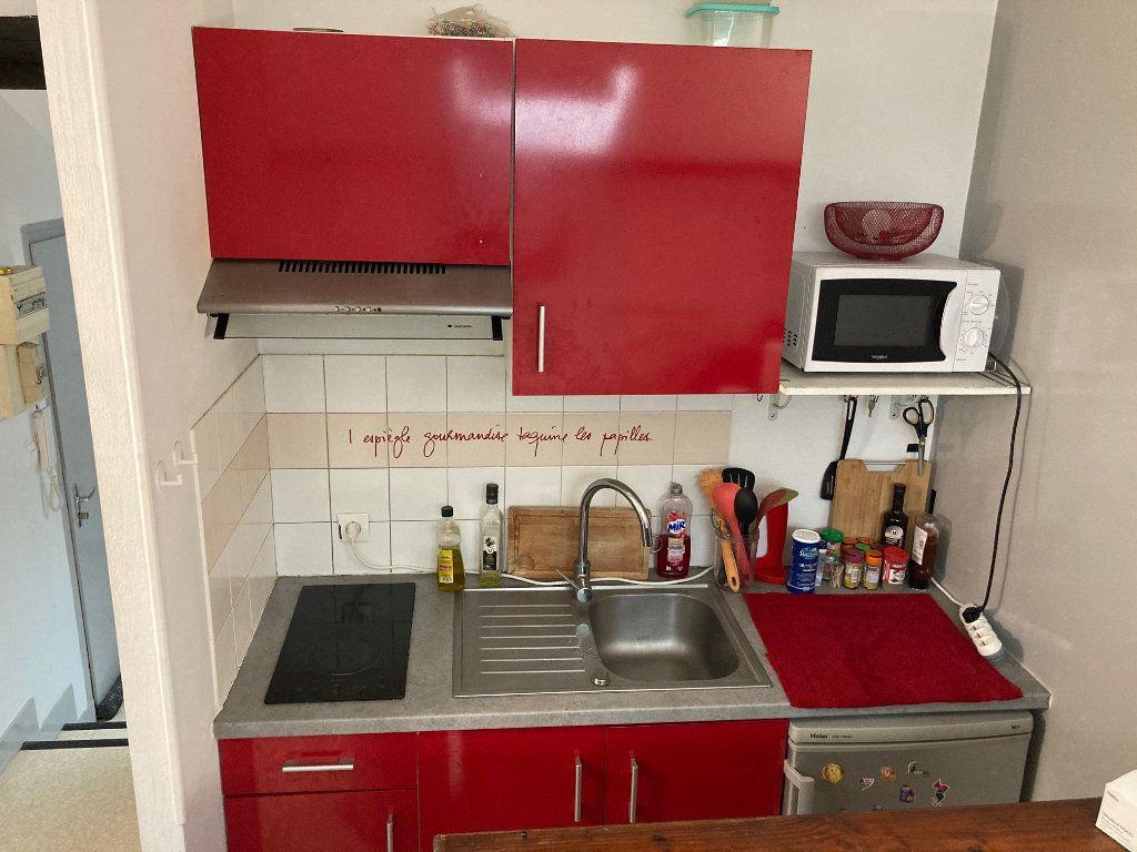 Appartement à louer 3 28m2 à Limoges vignette-8