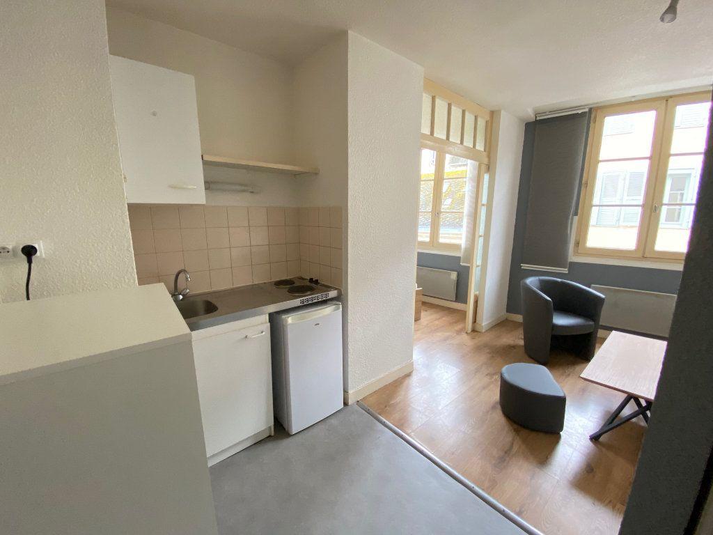 Appartement à louer 1 20m2 à Limoges vignette-3