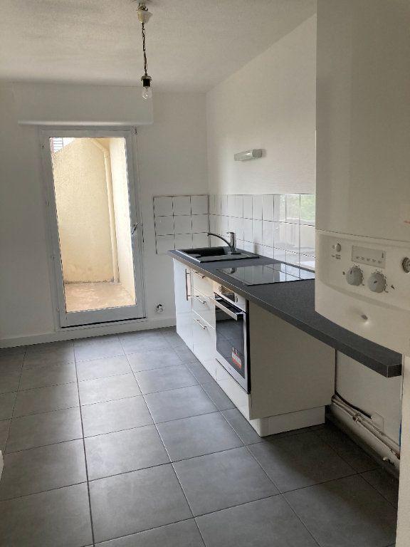 Appartement à louer 3 64.62m2 à Limoges vignette-2